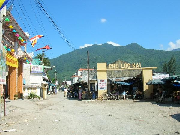 Chợ Lăng Cô