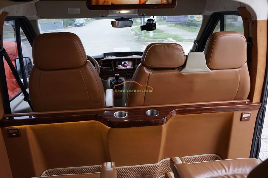 Dcar Limousine 9 chỗ