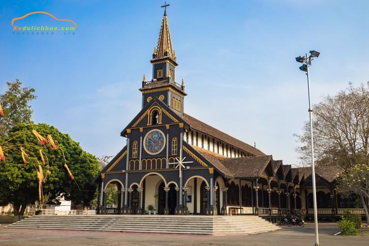 Nhà thờ Chính Tòa Kon Tum Tây Nguyên
