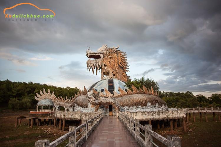 Khám phá nét ma mị của công viên Hồ Thuỷ Tiên