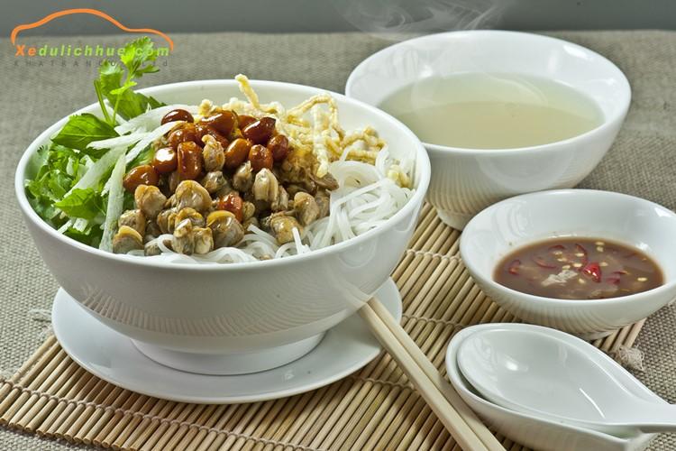 món ăn đặc sản huế