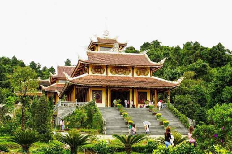 Thiền viện Trúc Lâm xứ Huế