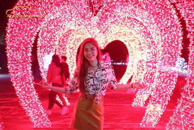 Rực rỡ sắc màu đêm Lễ hội Ánh sáng Huế 2019