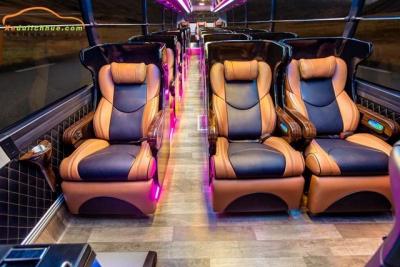 xe Universe Limousine tại Huế