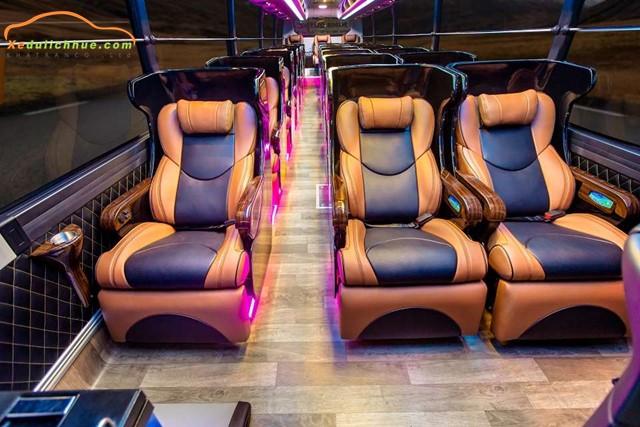Thuê xe Limousine 26 chỗ tại Huế sang trọng, hiện đại