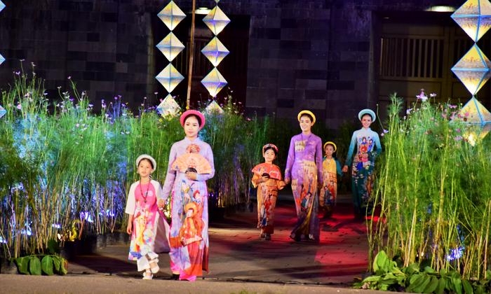 Lễ hội áo dài trong kỳ Festival Huế 2019
