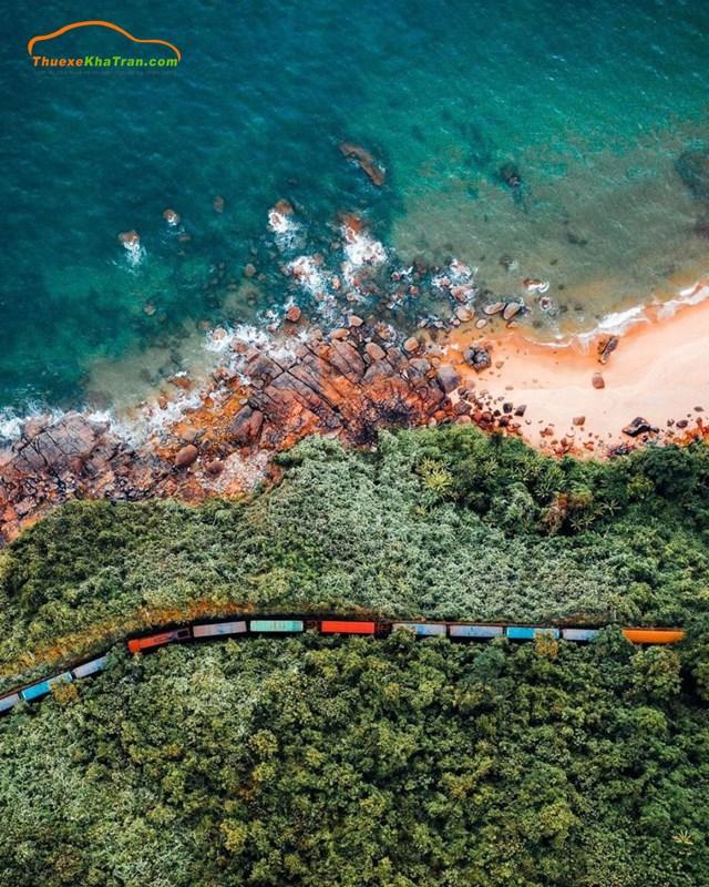 Tàu hỏa chạy từ Đà Nẵng đên Buôn Mê Thuột đi qua những cung đường đẹp